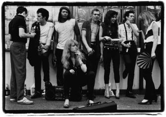 Kosmo Vinyl with Clash Posse (Colony Records, NYC) - © Amy Arbus