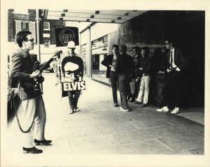 Kosmo Vinyl with Elvis Costello (Hilton Hotel, London) - Unknown